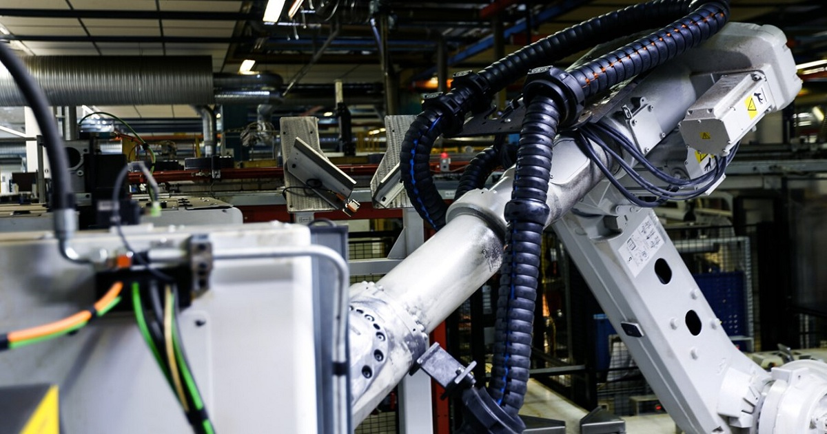 WHAT WILL 5G BRING TO INDUSTRIAL ROBOTICS?